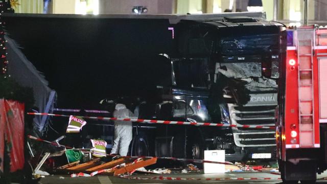 Motorista do camião usado no ataque morreu com tiro na cabeça