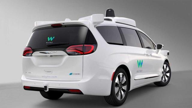 A Google quer convencê-lo que os carros autónomos são o futuro