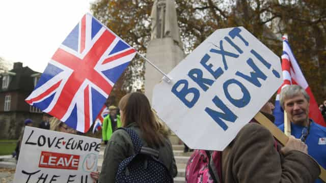 Supermercados alertam para consequências negativas de Brexit sem acordo