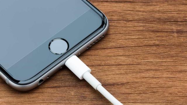 O seu carregador poderá não funcionar nos novos iPhone