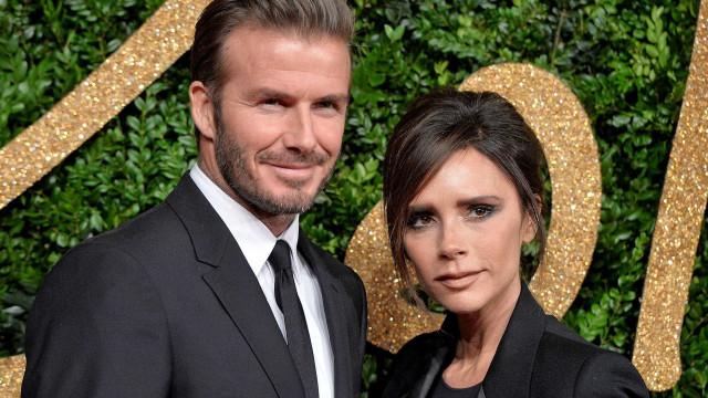 Victoria Beckham coloca ponto final em rumores de separação com nova foto