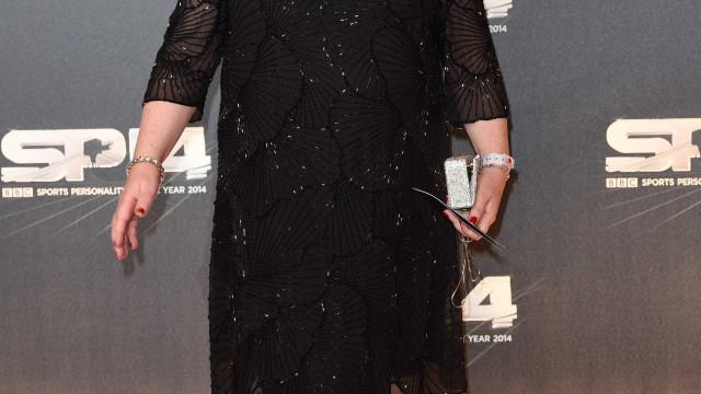 Susan Boyle intimidada por grupo de 15 jovens