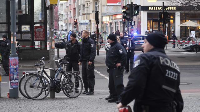 Um morto e vários feridos em ataque com faca em Hamburgo