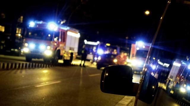 Ligeiro despista-se contra obstáculo na Feira. Há 2 feridos encarcerados