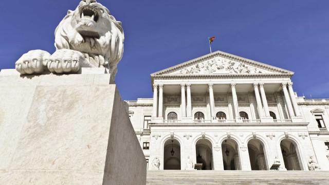 Parlamento debate Lei de Bases da Saúde no dia 23