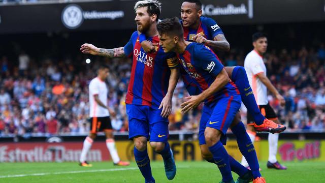Neymar terá convencido Dani Alves a trocar o Manchester City pelo PSG