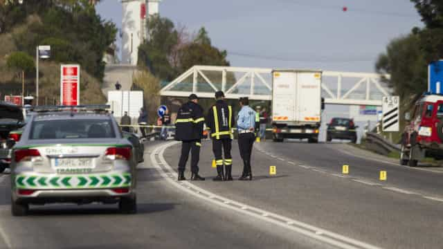 Acidente com veículo em contramão na A2 faz um morto e um ferido