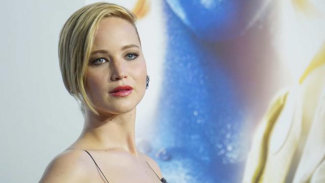 Jennifer Lawrence fala abertamente de fotos íntimas divulgadas por hacker