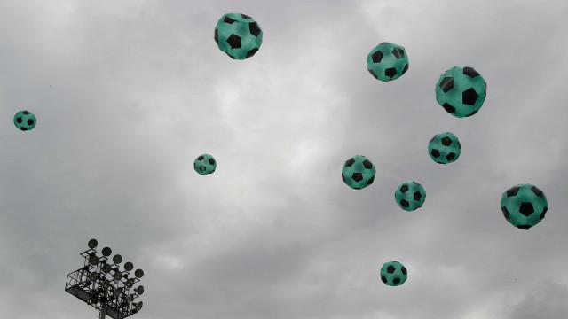 Festival de balões na Colômbia incluiu homenagem ao Chapecoense