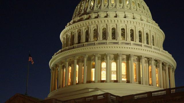 Congresso dos EUA aprova financiamento do governo federal