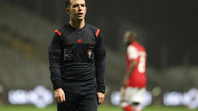 Luís Godinho é o árbitro para o Santa Clara-FC Porto