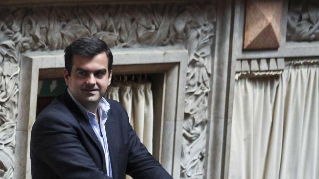 PSD acusa ministro de arrogância e faz apelo ao bom senso e ao diálogo