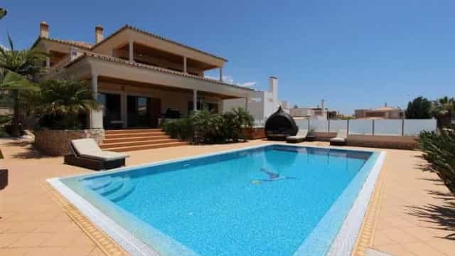 Na hora de vender casa, estes são os adjetivos mais usados em Portugal