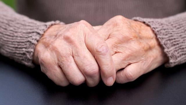 Encontrado com vida idoso que tinha desaparecido de lar