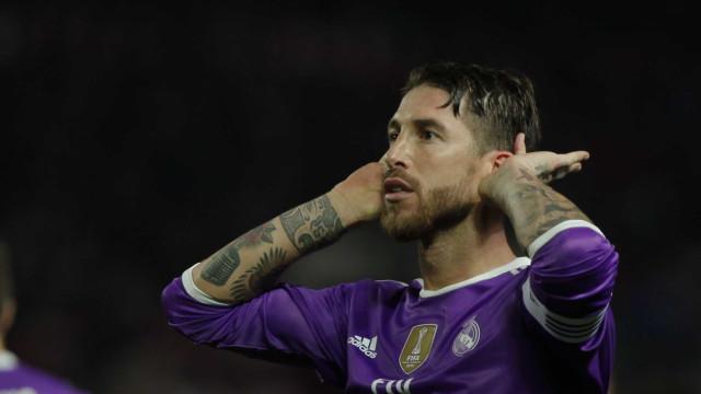 Adepto 'rasga' merengues nas redes sociais e Sergio Ramos dá... 'like'