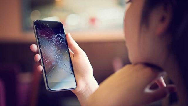 Smartphone com ecrã partido? Basta pressionar para reparar