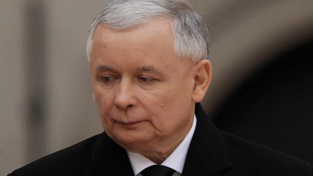Líder do maior partido da Polónia defende a Lei do Holocausto