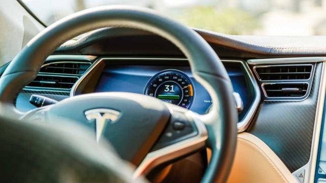 Tesla quer produzir as suas próprias baterias