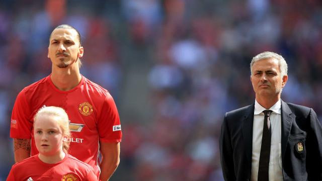 Mourinho tem um 'feeling' de que Ibrahimovic ainda vai jogar em 2017