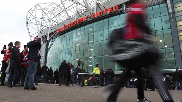 Tinder pode vir a patrocinar o Manchester United