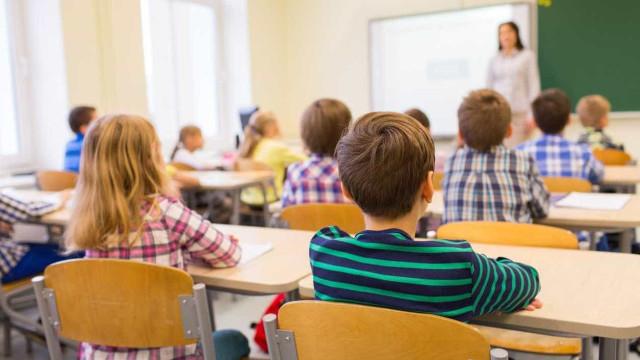 Manuais digitais vão trazer benefícios para o ambiente, alunos e pais