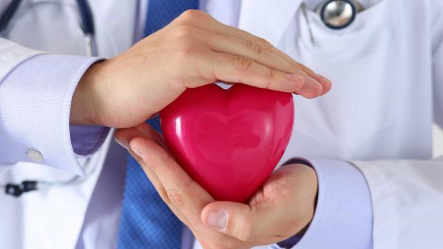 Stress e tabagismo no topo de fatores de risco para doença cardiovascular