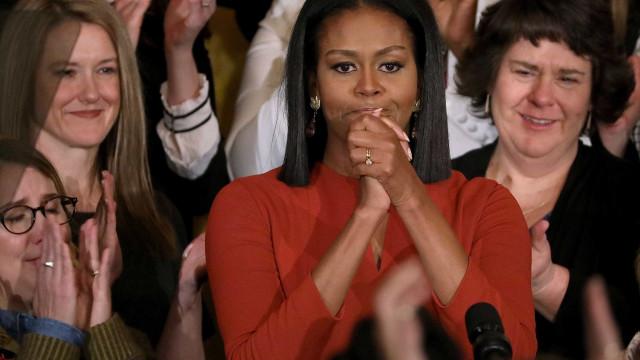 Michelle Obama revela fotografia única de infância