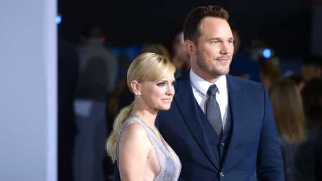 """Anna Faris comenta noivado de Chris Pratt: """"Adoro-os. Estou muito feliz"""""""
