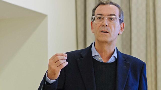 """Homossexualidade: Declarações de Gentil Martins """"não foram muito felizes"""""""