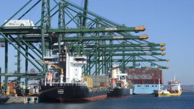 Exportações e importações aceleram subida homóloga em outubro