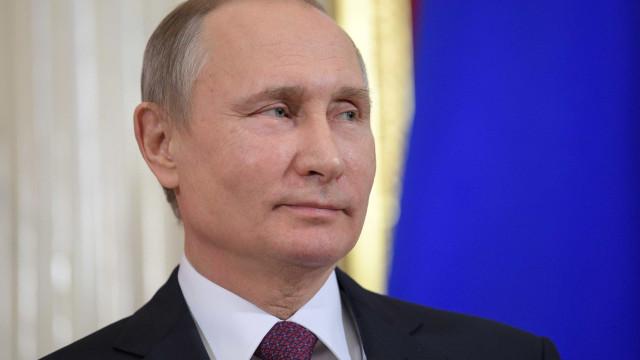 Venezuela: Putin condena qualquer tentativa de mudar situação pela força