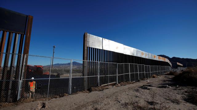 Grupo conservador promete construir muro na fronteira dos EUA