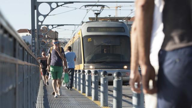 Estações vazias, autocarros cheios. A manhã de greve do metro em Gaia
