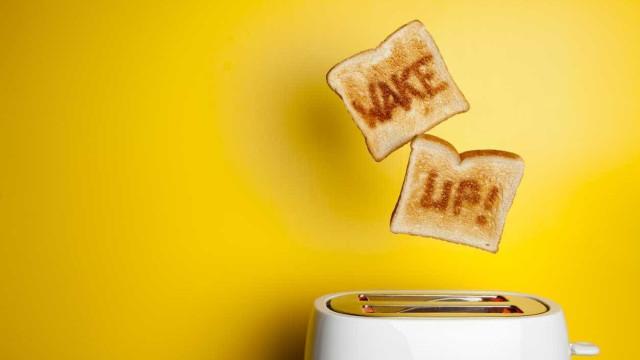 Comer hidratos de carbono de manhã é melhor do comer à noite?