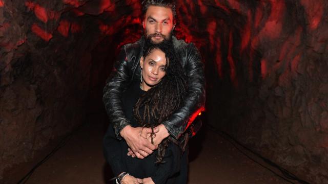 Jason Momoa e Lisa Bonet são oficialmente marido e mulher
