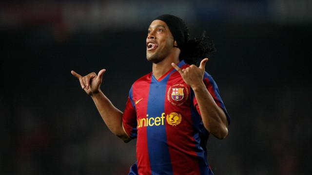 """Ronaldinho rendido ao """"trajeto"""" de Zidane"""