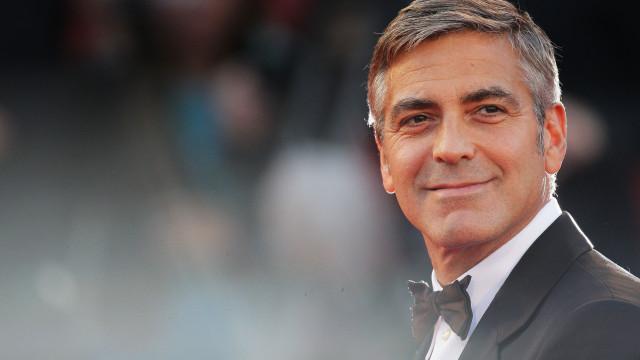 George Clooney hospitalizado após acidente de mota