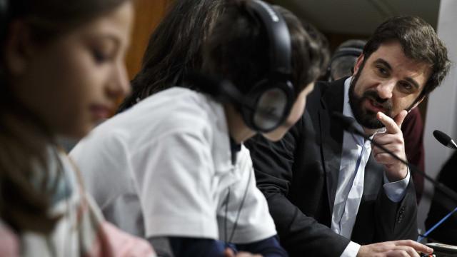 Ministro da Educação remete questão dos vales para Finanças