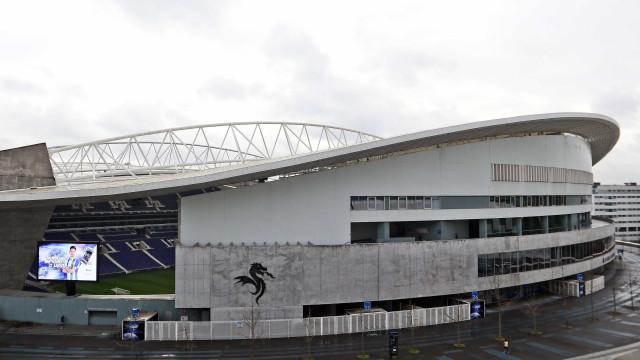 """FC Porto reage a acusações sobre jogo com Estoril: """"É totalmente falso"""""""