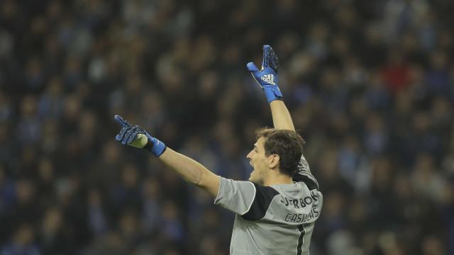 Justiça espanhola abre processo contra agente de Iker Casillas
