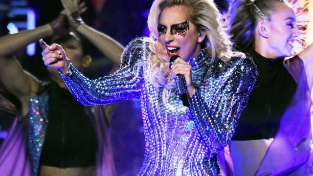 'Jumpsuit' de Lady Gaga em leilão internacional
