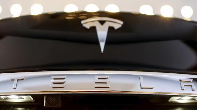 Depois de carros elétricos a Tesla quer lançar… música por streaming?