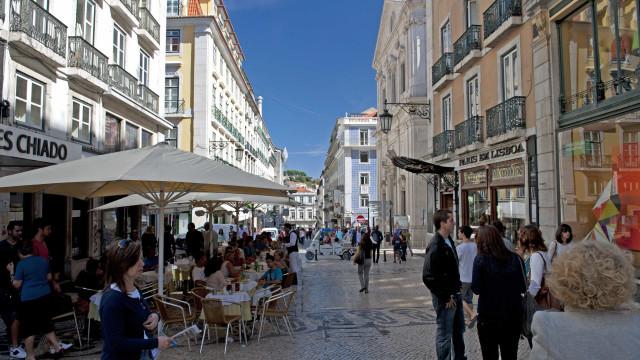 Objetos e memórias de lojas históricas de Lisboa em exposição na baixa