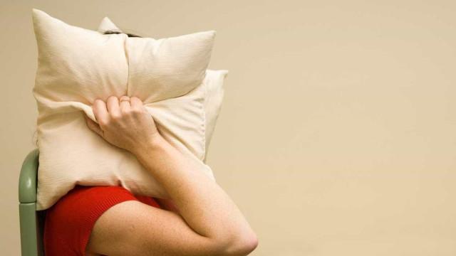 Pessoas que ouvem vozes detetam mais a fala escondida em sons sem sentido