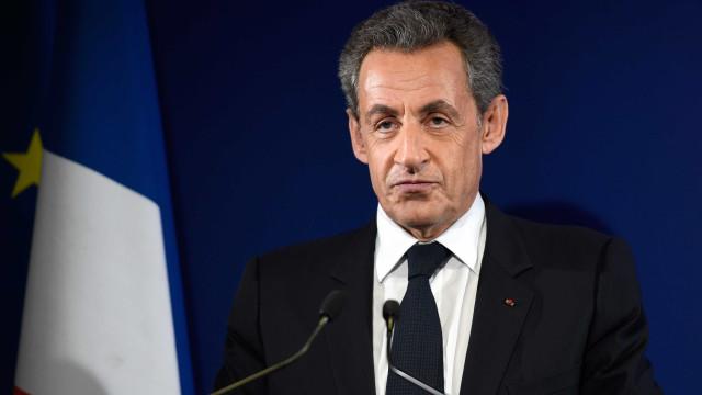 Antigo presidente francês Nicolas Sarkozy detido