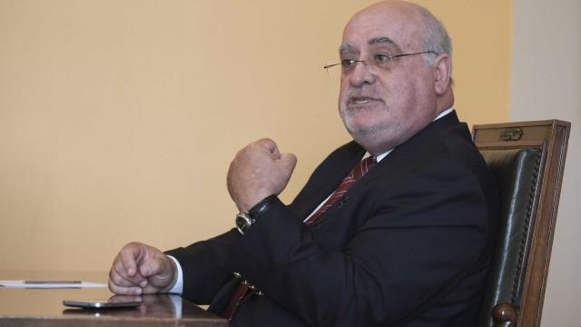 """Capoulas Santos admite """"fricção"""" entre 28 sobre apoios aos agricultores"""