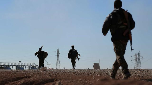 Síria: Coligação anuncia acordo para evacuação de Raqa