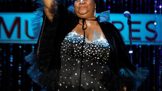 Aretha Franklin forçada a cancelar concertos devido a ordens médicas