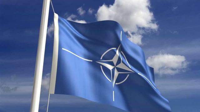 NATO lamenta adoção de tratado da ONU que proíbe armas nucleares