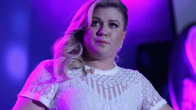 Kelly Clarkson revela que já pensou em suicídio